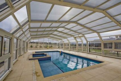 Stoett   Indoor Outdoor Enclosure   freestanding pool cover 3_66