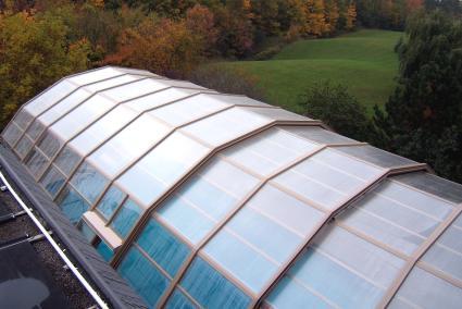 Stoett | Indoor Outdoor Enclosure | freestanding pool cover 213