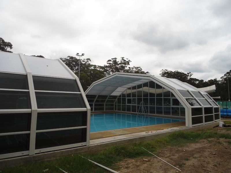 Stoett | Indoor Outdoor Enclosure | freestanding pool cover glenbrook14