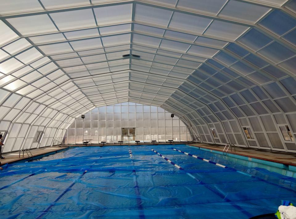 Stoett | Indoor Outdoor Enclosure | freestanding pool cover 381